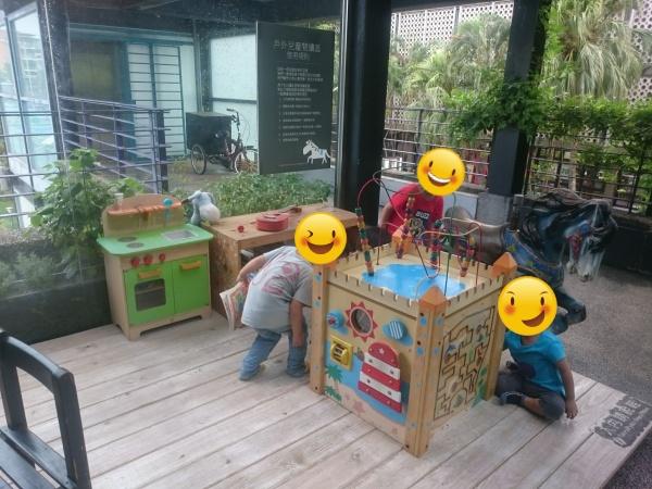 [遊記] 中午的咖啡廳